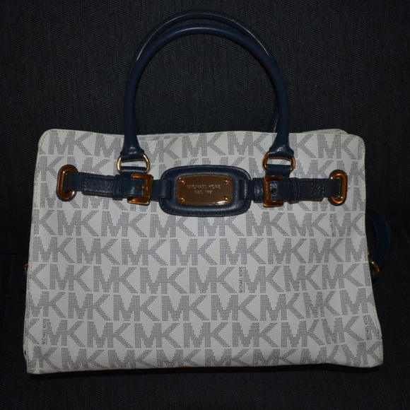 Michael Kors Handbags - Michael Kors Hamilton Bag